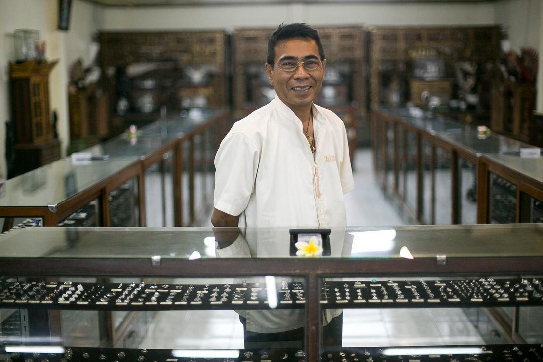 A Silversmith+seller in Ubud